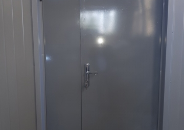 Дверь двухстворчатая