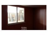 Вагончик для жилья окно