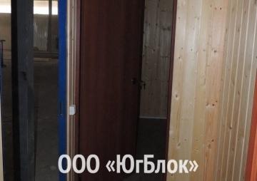 Дачный дом 6х2,4м дверь